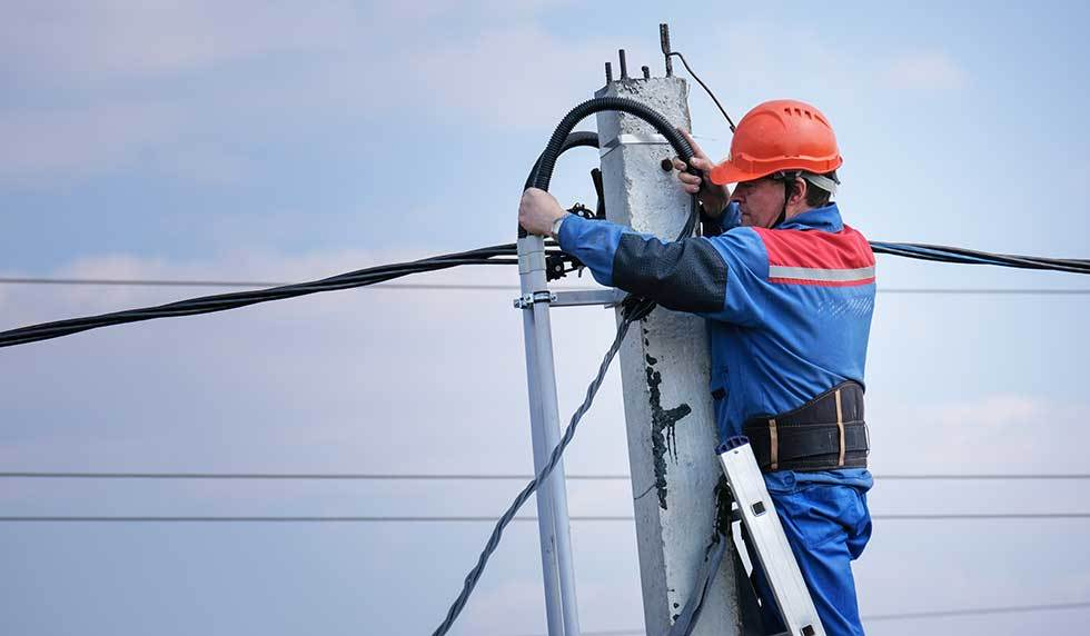 Ladder Safety For Electric Utilities